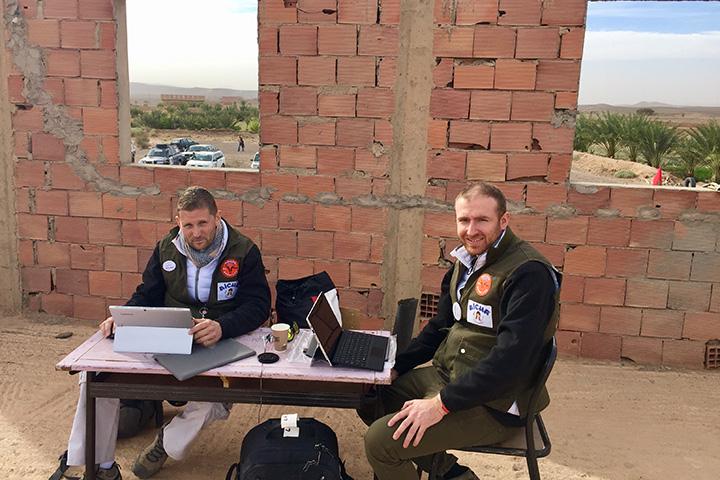 Salariés de CBA, développeurs du logiciel pour caravane médicale